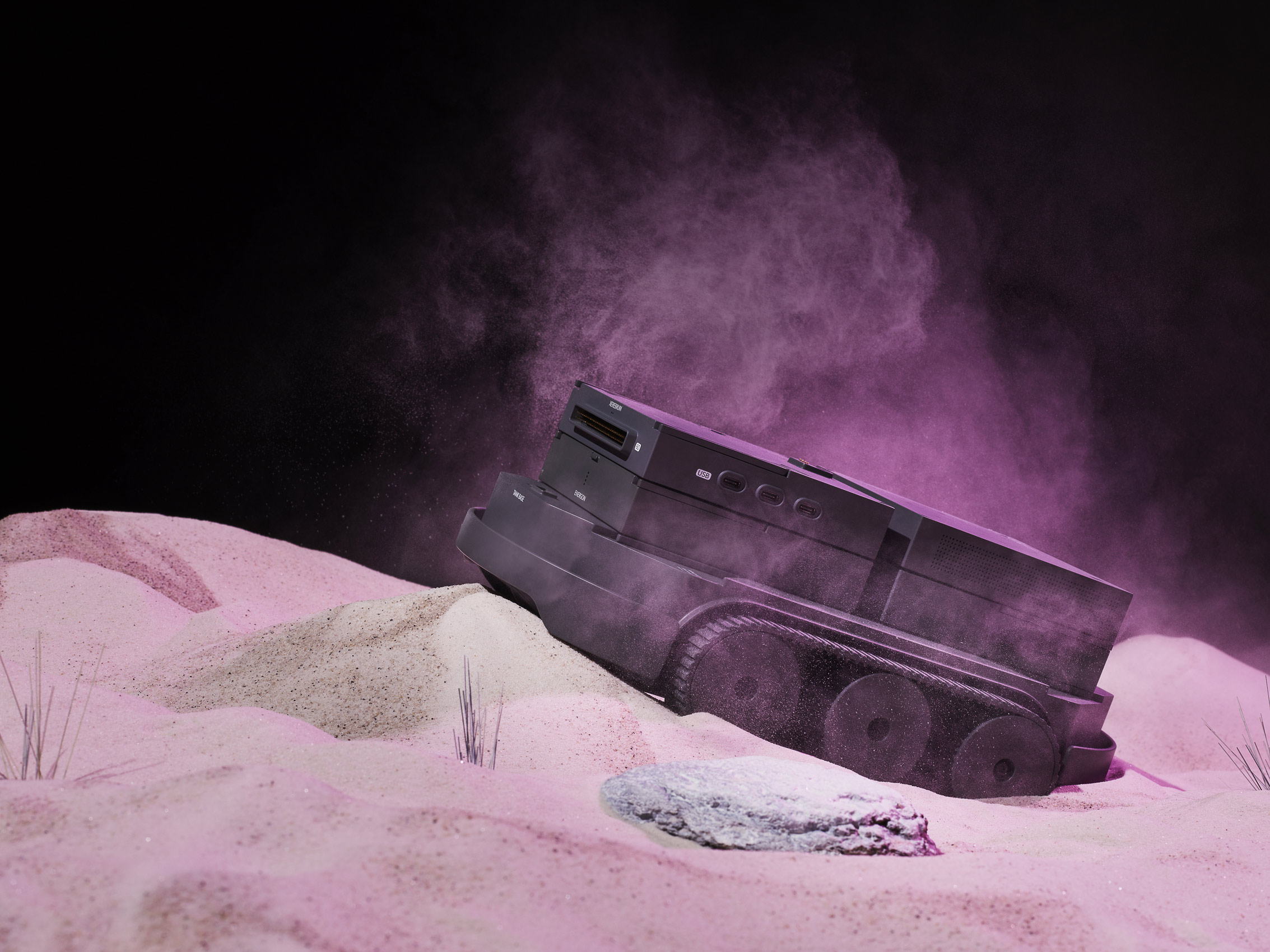 VINCROSS_MIND_KIT_TANK_IN_SAND_159019_F_R1